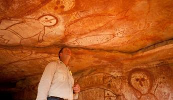 View the historical rock art of Kimberly