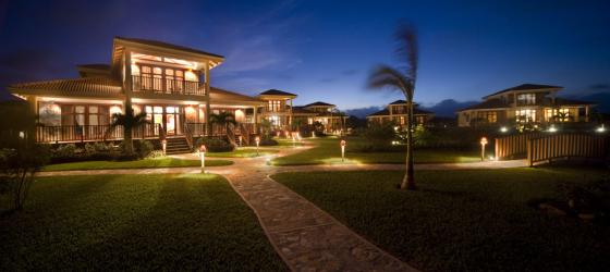 Stay in a luxurious 3-bedroom house at Hopkins Bay Resort