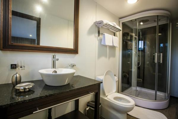 A modern and luxurious bathroom aboard the M/V Anakonda