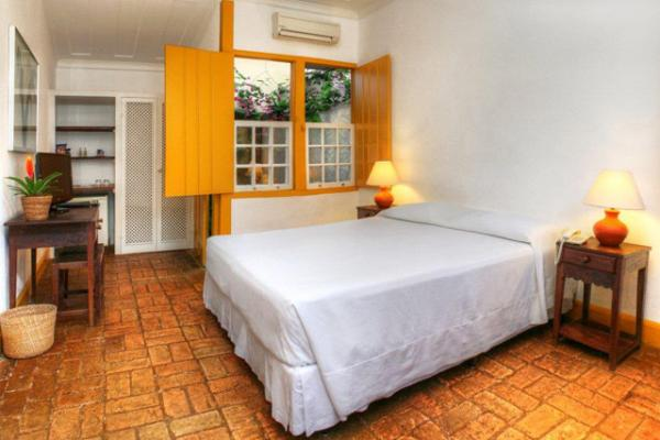 Relax in a standard apartment at Pousada do Ouro