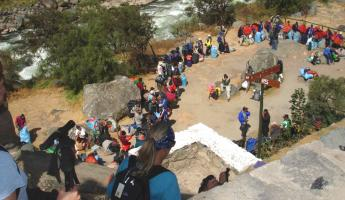 Porters in line to enter the Inca Trail