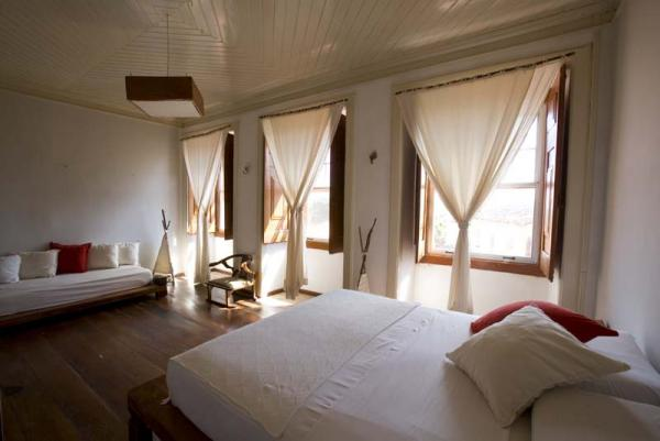A spacious suite at Pousada Portas da Amazonia