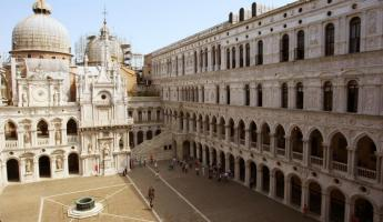 Wander the squares of Italy on your European cruise