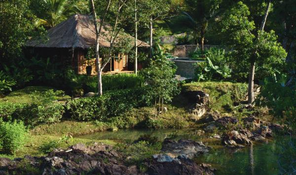 Private accommodations along the river at Blancaneaux Lodge