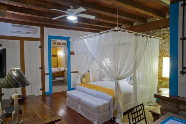 The romantic and spacious luxo suite at Pousada Casa da Turquesa