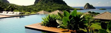 Relax in the scenic pool of Pousada Maravilha
