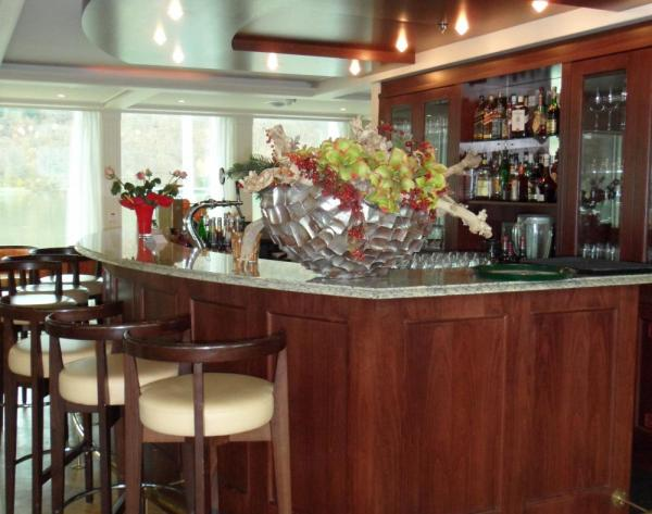 Bar at AmaCello's Panoramic Lounge.
