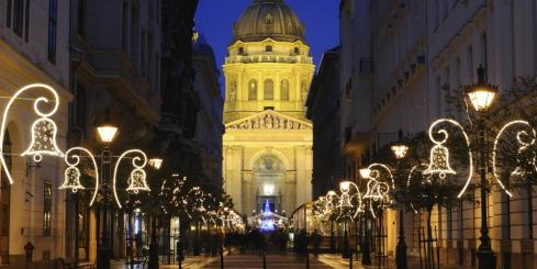 Enjoy this beautiful basilica while traveling through Europe