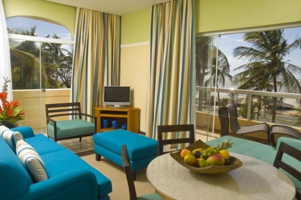 Relax in your suite at Pestana Sao Luis