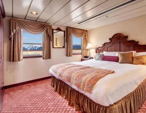 SS Legacy' Owner's Suite