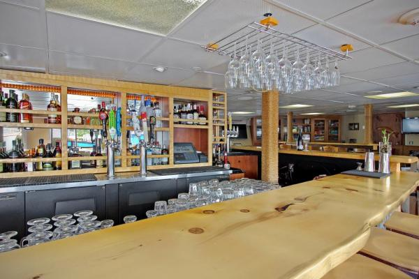 The bar aboard the Wilderness Adventurer.