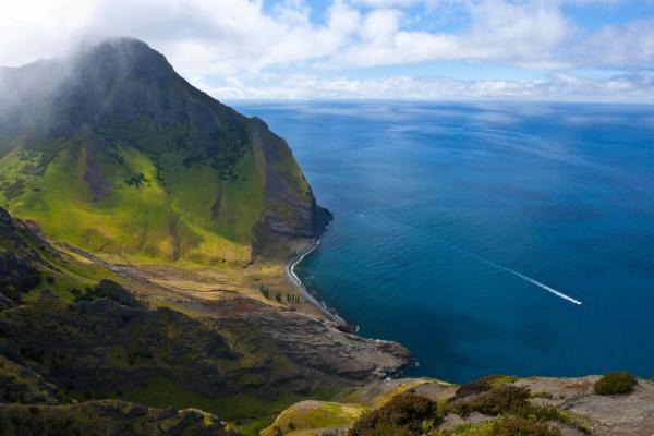 Dramatic views surround you on Robison Crusoe Island