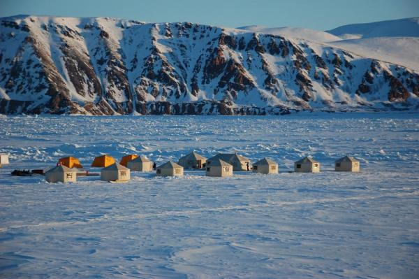 Arctic Kingdom's Premium Safari Camp is located either on ice or on land