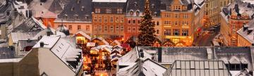 Wander a cozy Christmas Market