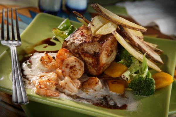 Indulge in delicious cuisine while staying at Aventura Lodge