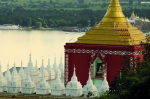 Enjoy the unique architechure of Myanmar.