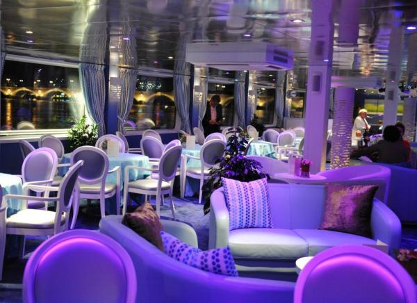 The colorful lounge on the MS Cyrano de Bergerac