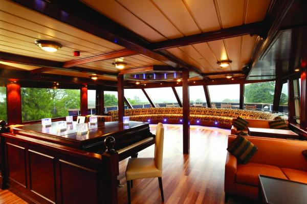 Relax in the lounge aboard the Lord of the Glens.