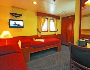 Sea Adventurer's Category 7 Cabin.