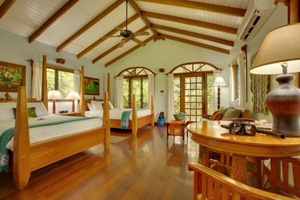 Hamanasi Resort Treehouse double bedroom