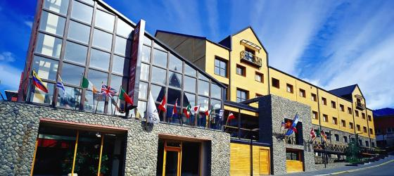 The exterior of the beautiful Albatros Hotel.