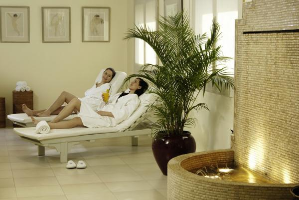 Enjoy the luxurious spa at the Albatros Hotel.