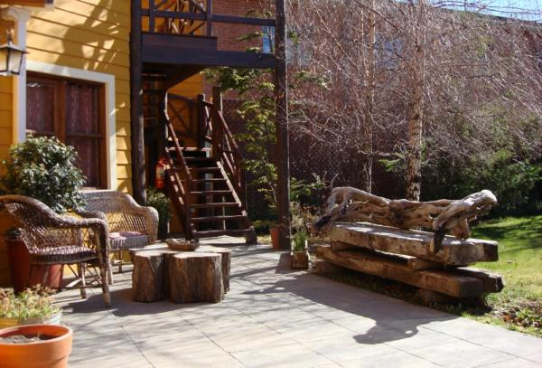Relax on your outdoor patio at Kau Kaleshen