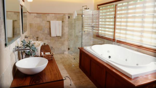 A luxury bathroom at the Finca Lerida.