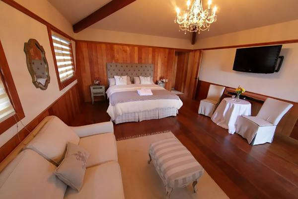 Stay in style and comfort at the Finca Lerida.