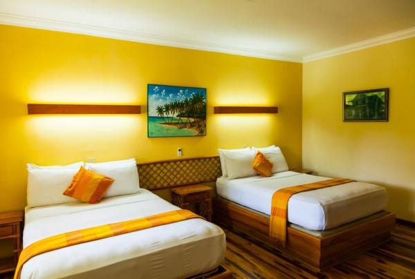 Enjoy the comfort and space of the rooms at the Gran Hotel Bahia.