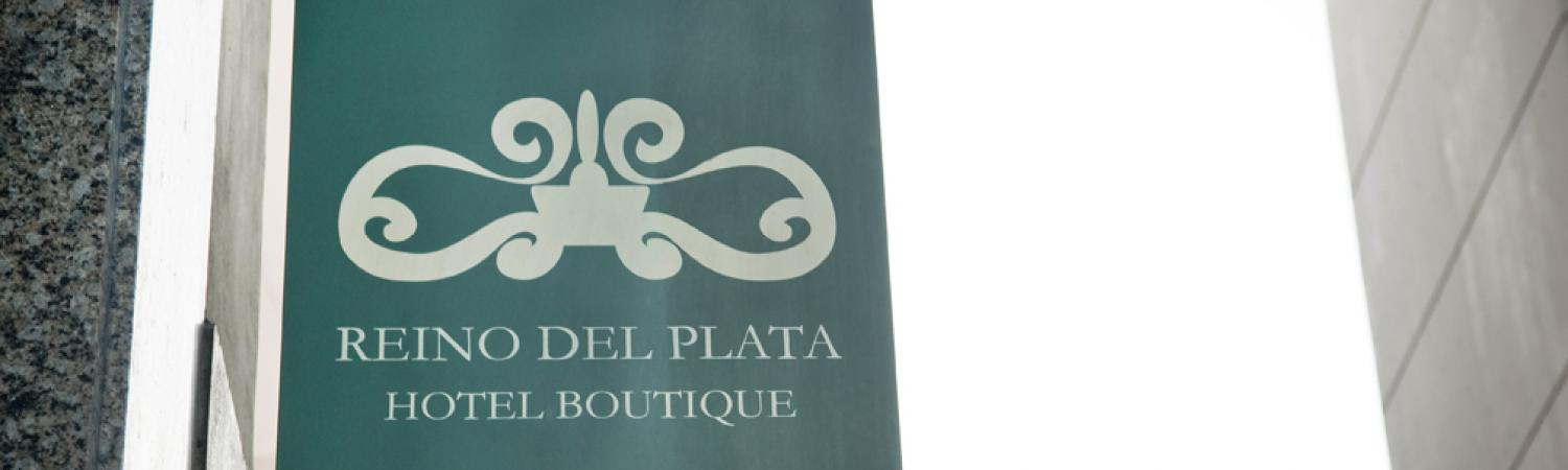 The sign of the Reino del Plata Hotel Boutique.