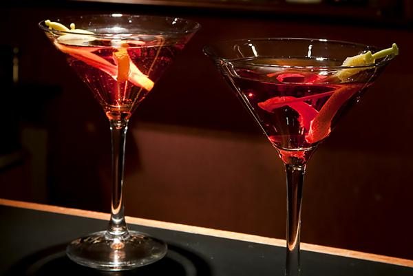 Enjoy a delicious martini in the hotel bar.