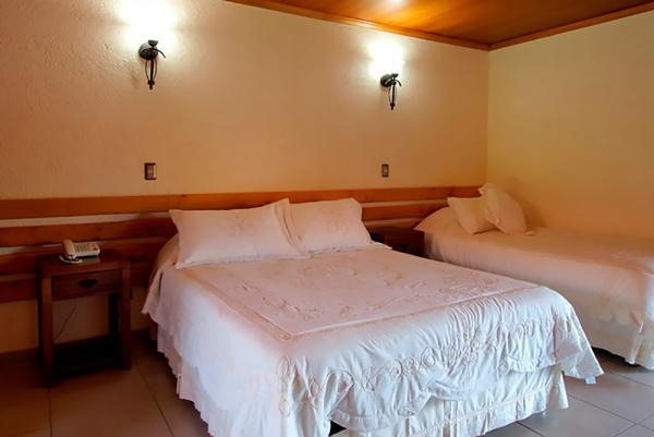 Relax in the comfortable and spacious rooms at the Hotel Puku Vai.