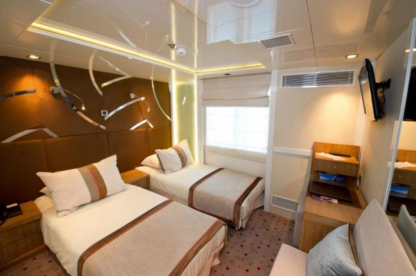 A comfortable category 2 cabin