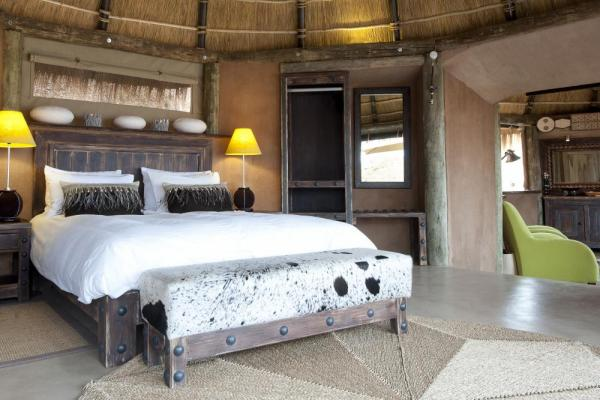 Relax in the spacious and comfortable rooms at Camp Kipwe.