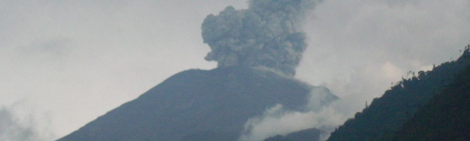 Tungurahua beginning to erupt in 2014