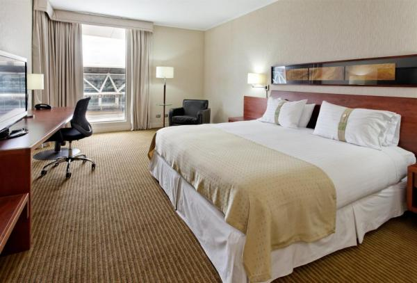 A king room at the Holiday Inn Airport