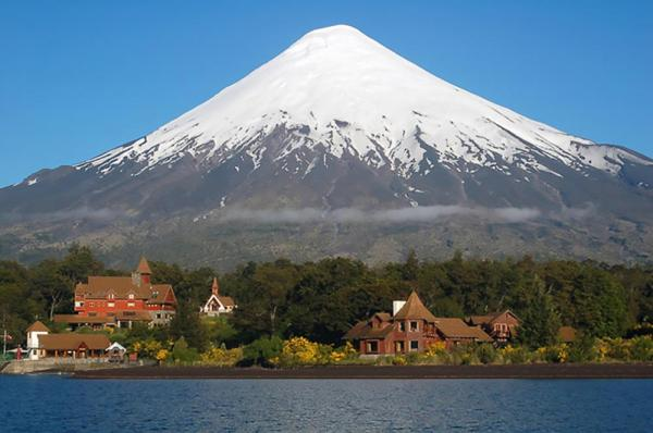 A view of the hotel and the Volcano Osorno