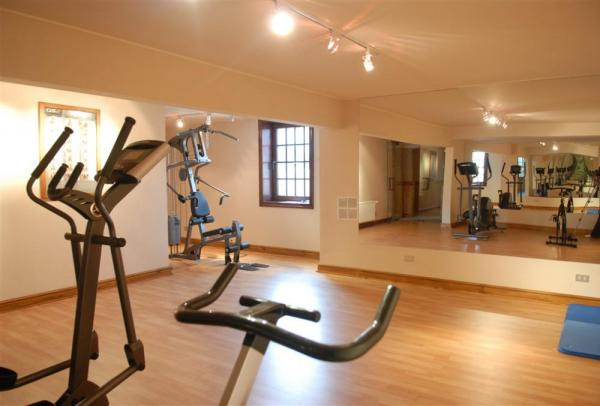 Stay fit while staying at the Hotel Rey Don Felipe with this modern fitness center