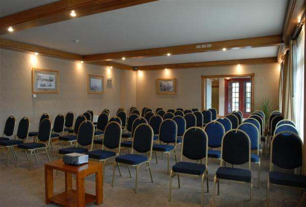 Hotel Rey Don Felipe's large and accommodating conference room