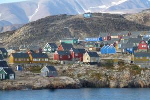 Discover the Hurry Inlet community on your Arctic voyage