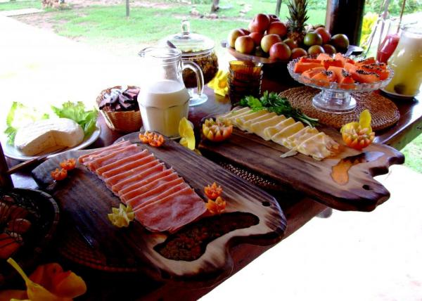 Enjoy fantastic meals during your stay at Araras EcoLodge