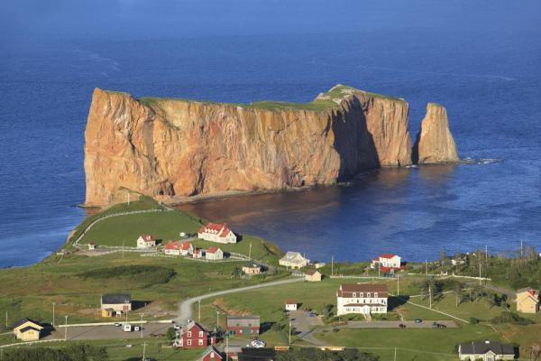Explore the area surrounding Perce Rock