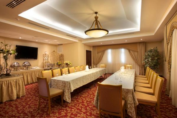 Hold your event in Toscana Inn's conference room