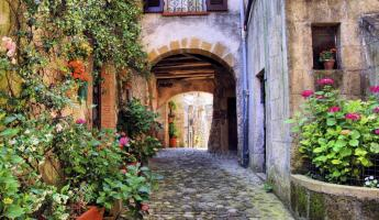 Wander the typical streets of Italy