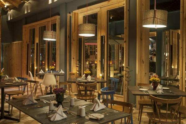 Enjoy fine dining at the restaurant of Hotel Bo