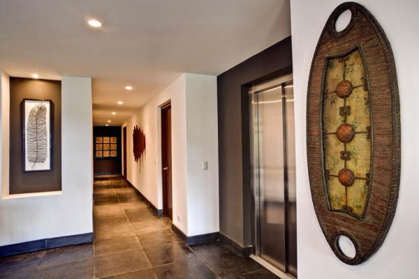 Elegant decor decorates the walls of the Preserve at Los Altos