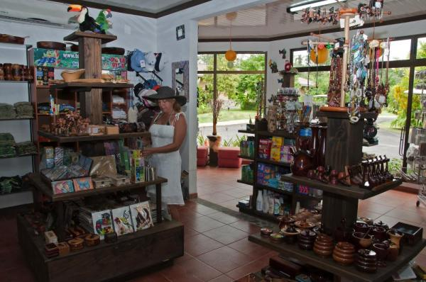 The gift shop at Arenal Springs Resort and Spa