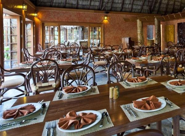 Enjoy great meals during your stay at Ramon's Village