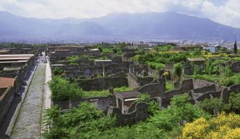 The sprawling ruins of Pompeii